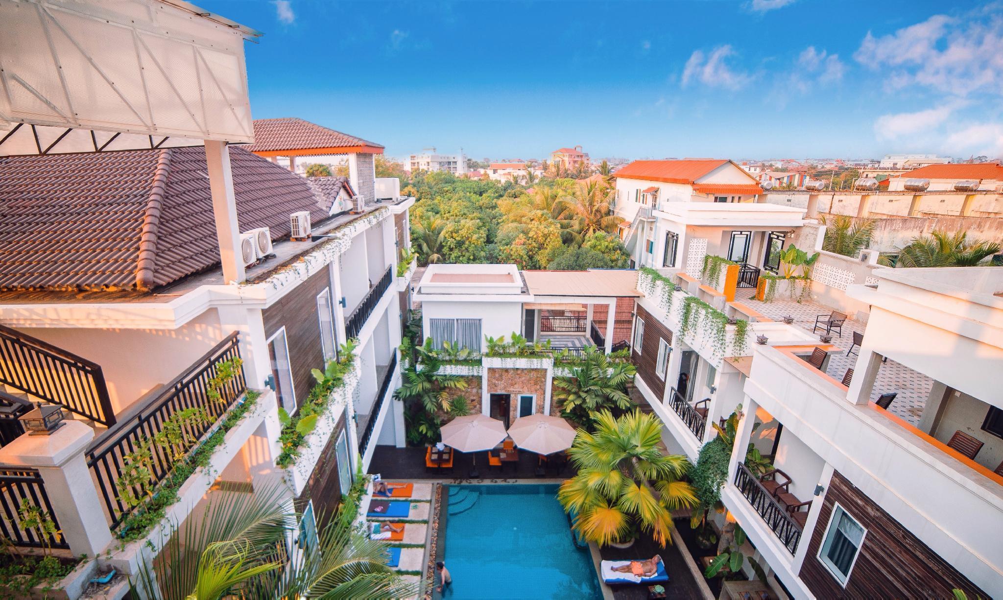 Luxury Premier Room By EOcambo Resort
