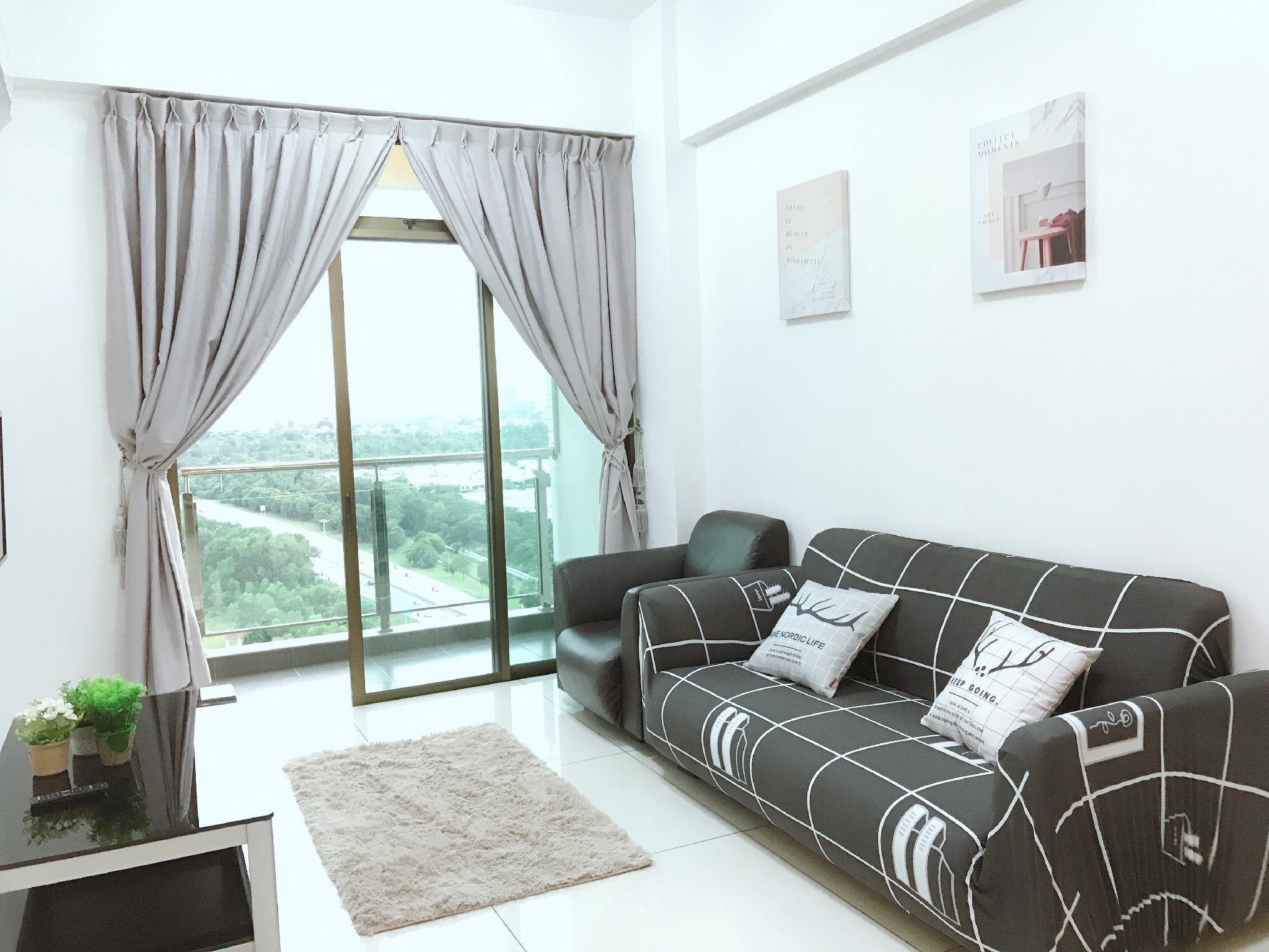 Luxury Condo HomeStay 3BR 8Pax @ Bukit Indah   JB