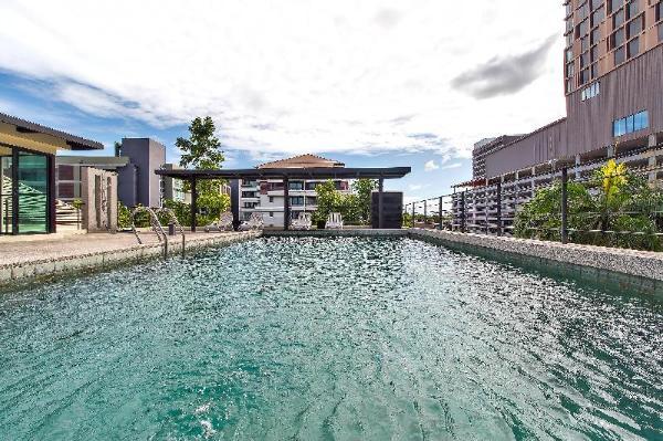 ?Luxe Resort Modern 9BR w/ Large Rooftop Pool Pattaya