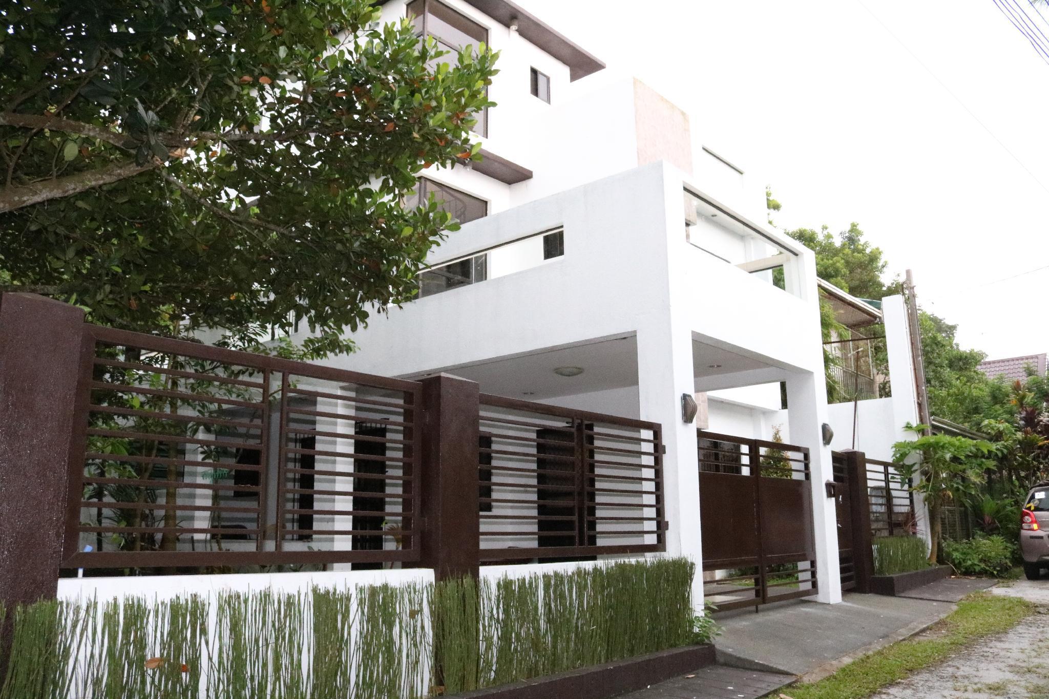 Casa Purisima 4BR house near Lourdes Church