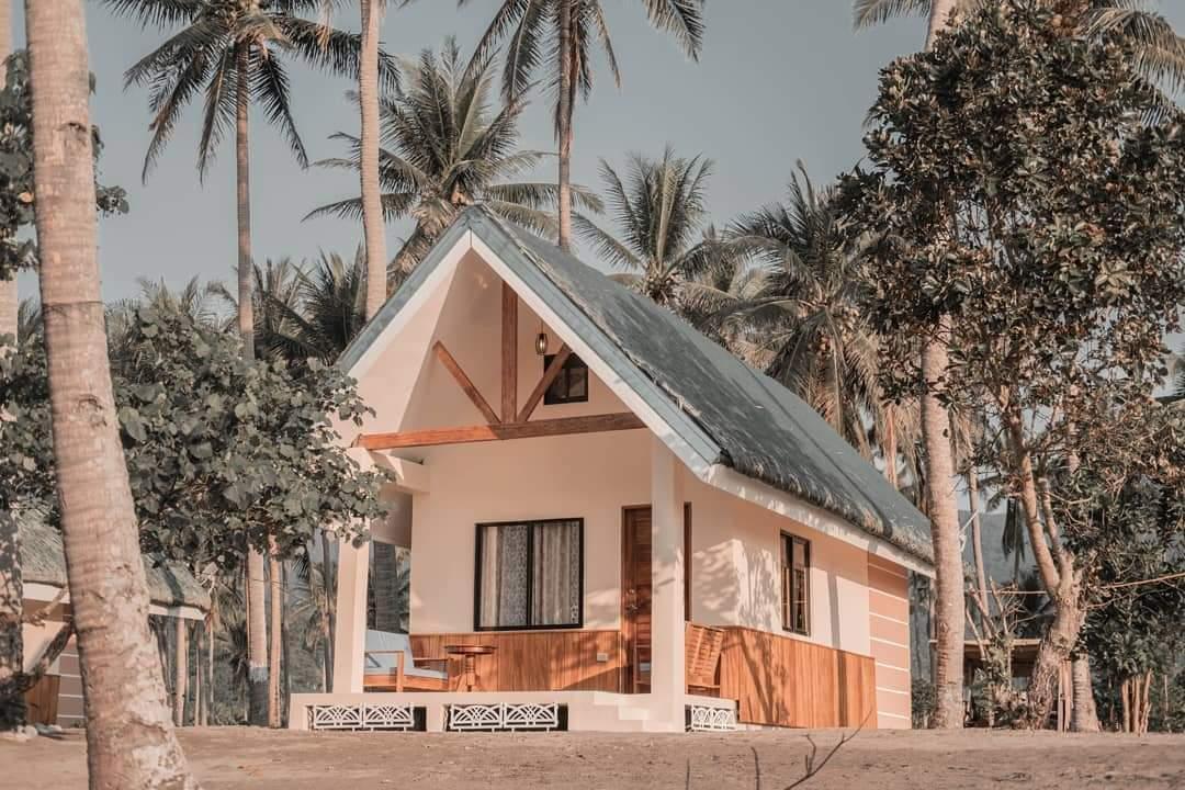 Beachfront Cottage 2