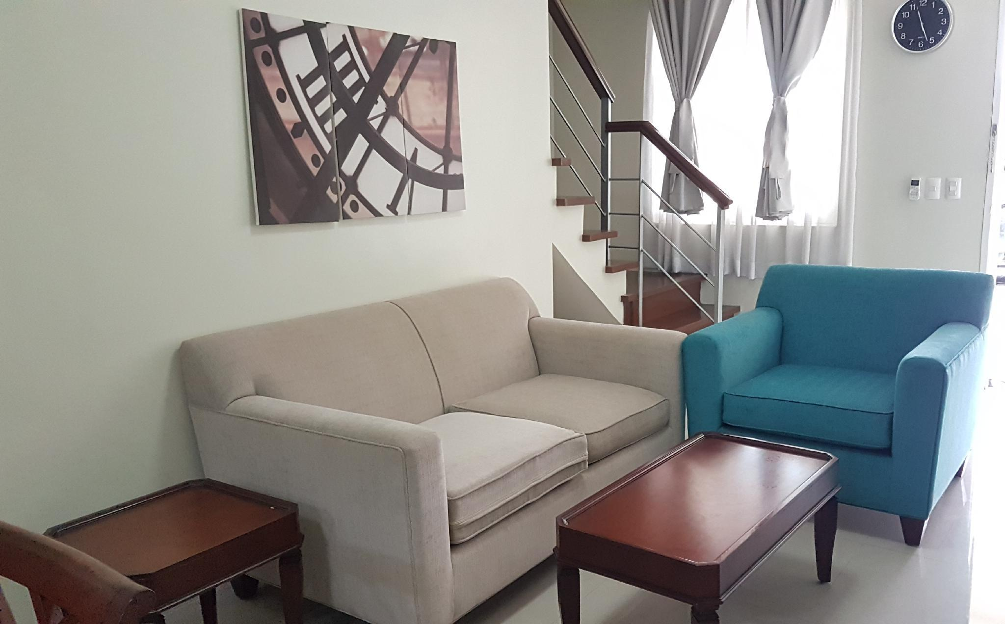 Spacious Townhouse With Pool And Wifi In Pontefino