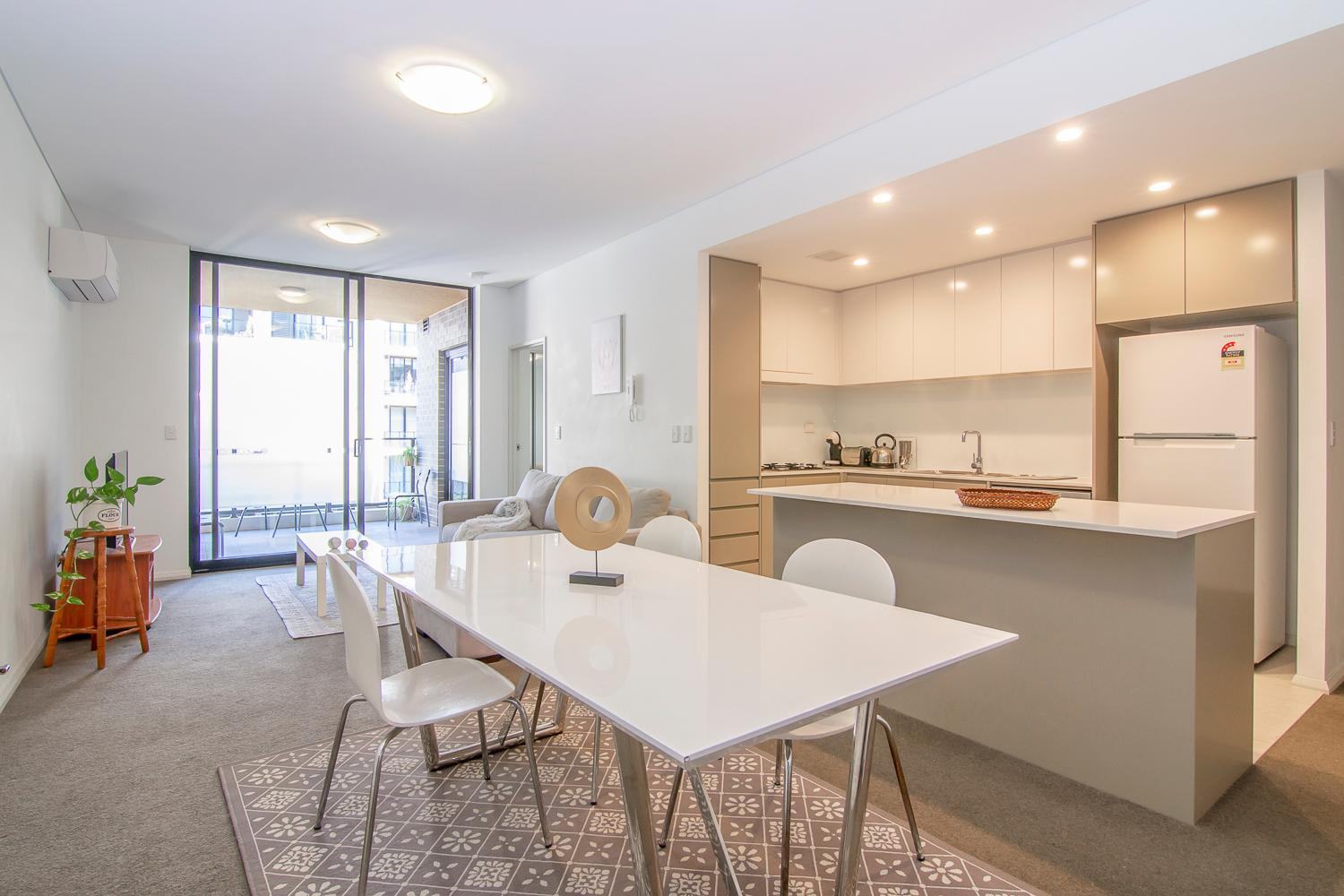 Charming And Dream Home In Sydney  FREE CARPARK