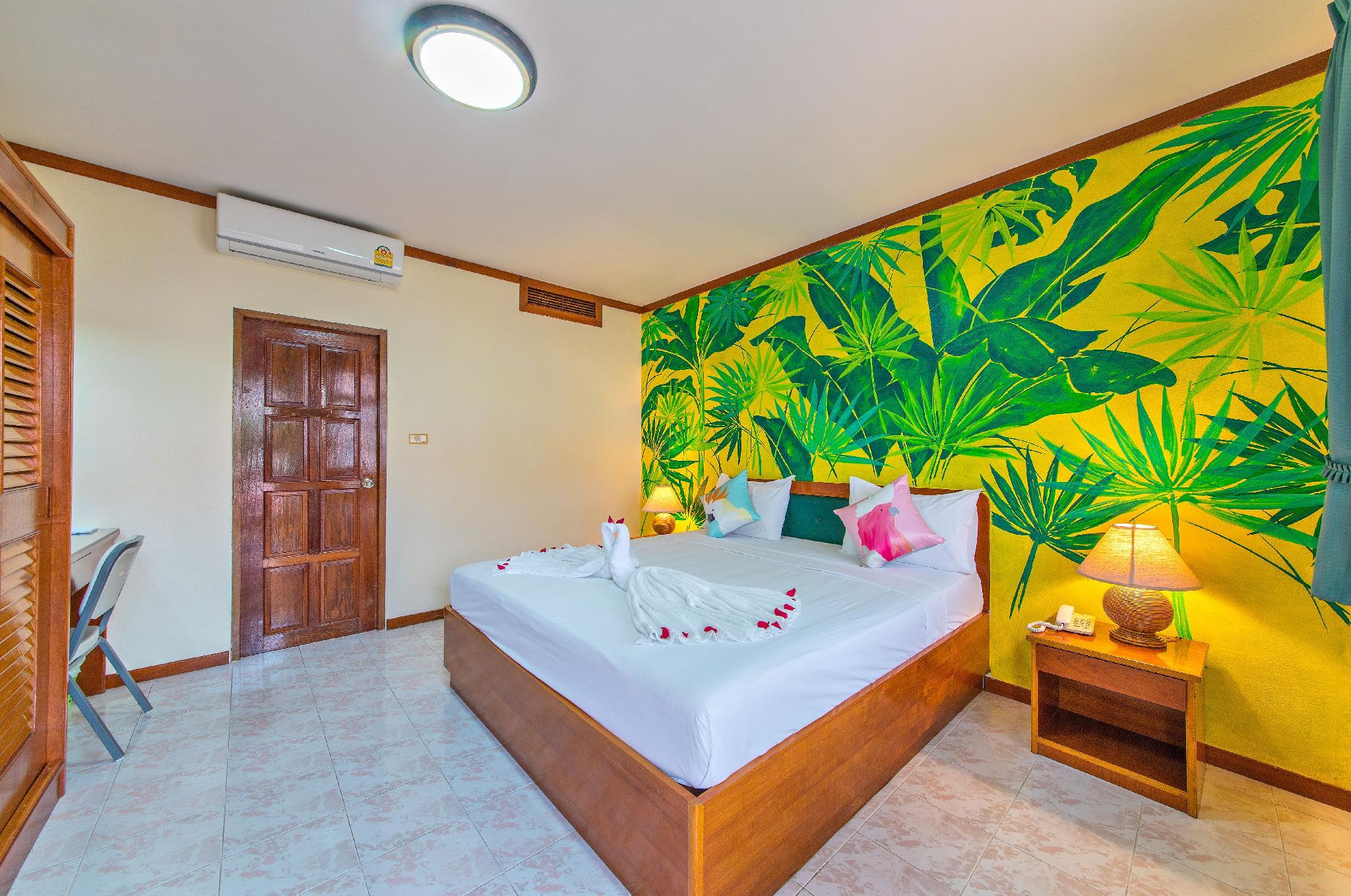 Patong Panda Culture Hotel Deluxe Double Room