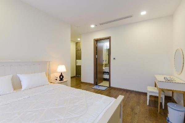 Newly Decorated Apt With Saigon River View  Ho Chi Minh City