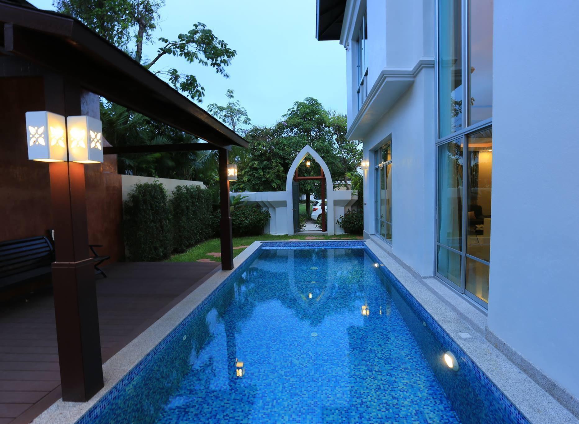 Siriwari Villas 11 BR Sleeps 22 w/Pool near City วิลลา 11 ห้องนอน 12 ห้องน้ำส่วนตัว ขนาด 840 ตร.ม. – พัทยาเหนือ