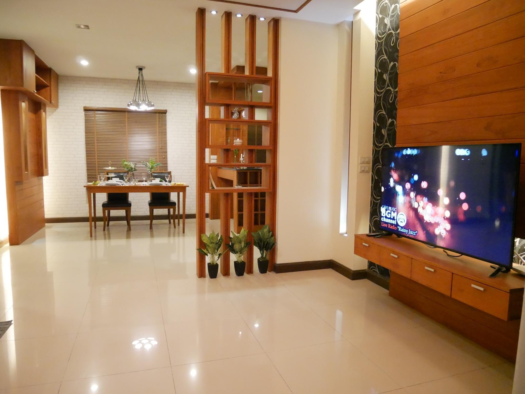 Chiang Mai Golden Teak Retro Modern House สตูดิโอ บ้านเดี่ยว 4 ห้องน้ำส่วนตัว ขนาด 196 ตร.ม. – ท่าศาลา