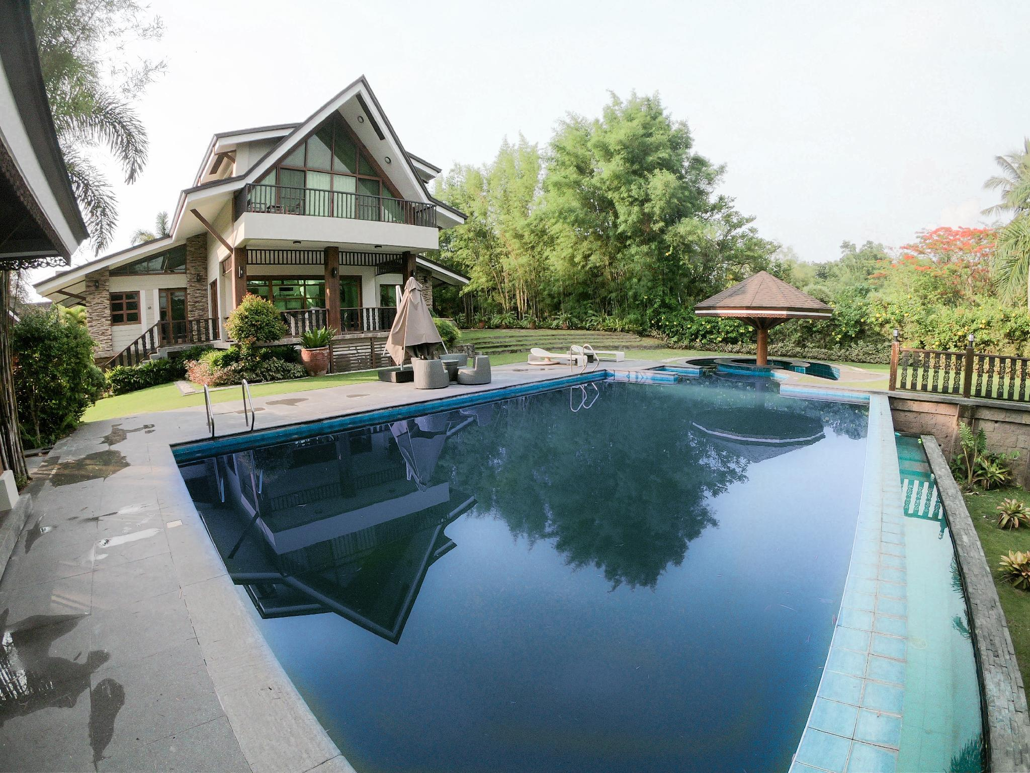 Luxury Home in Tagaytay Highlands