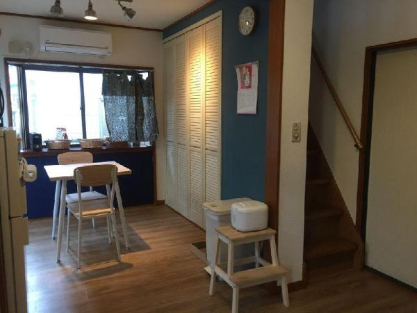 Cosy upstairs room in the heart of Meguro city. Tokyo