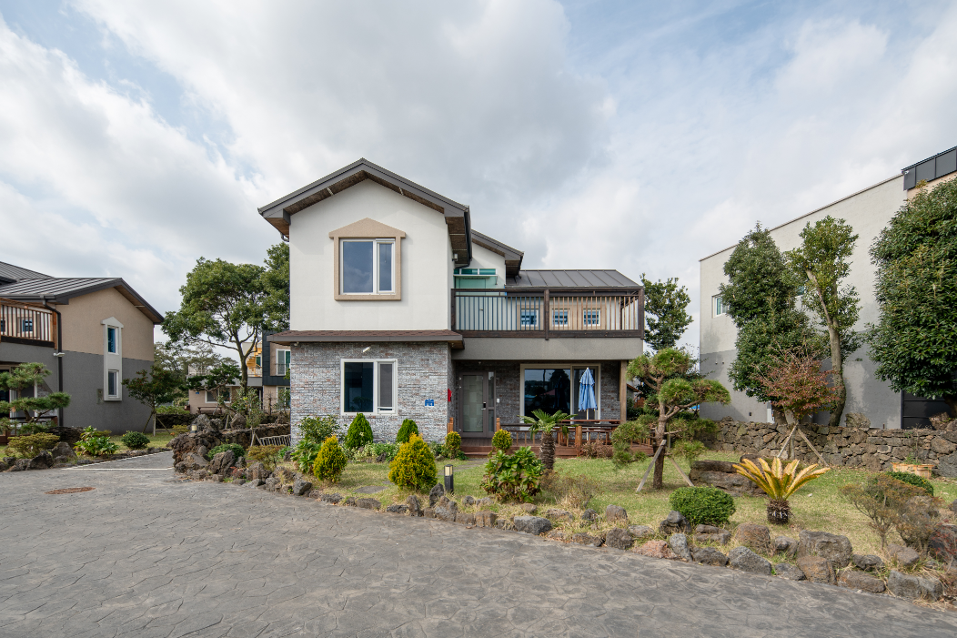 JEJU Duplex Garden Private Family House Songdang
