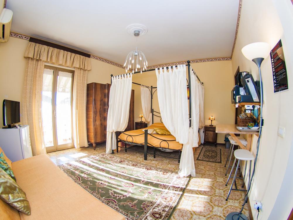 Apartment 4 Tarchon Luxury BandB   Quad Room