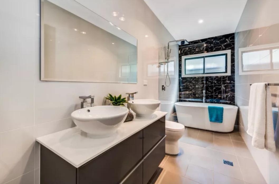 Luxury Modern 4BR Home Close To Olympic Park & CBD