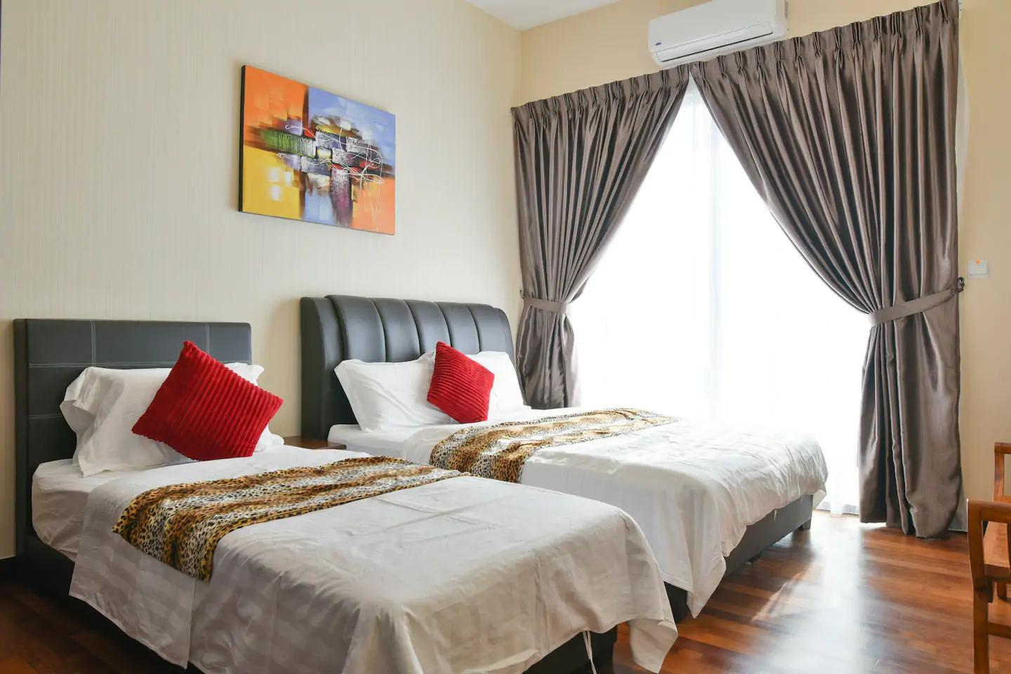 BLEISURE SEAVIEW @ SILVERSCAPE  B32 By Q HOLIDAY