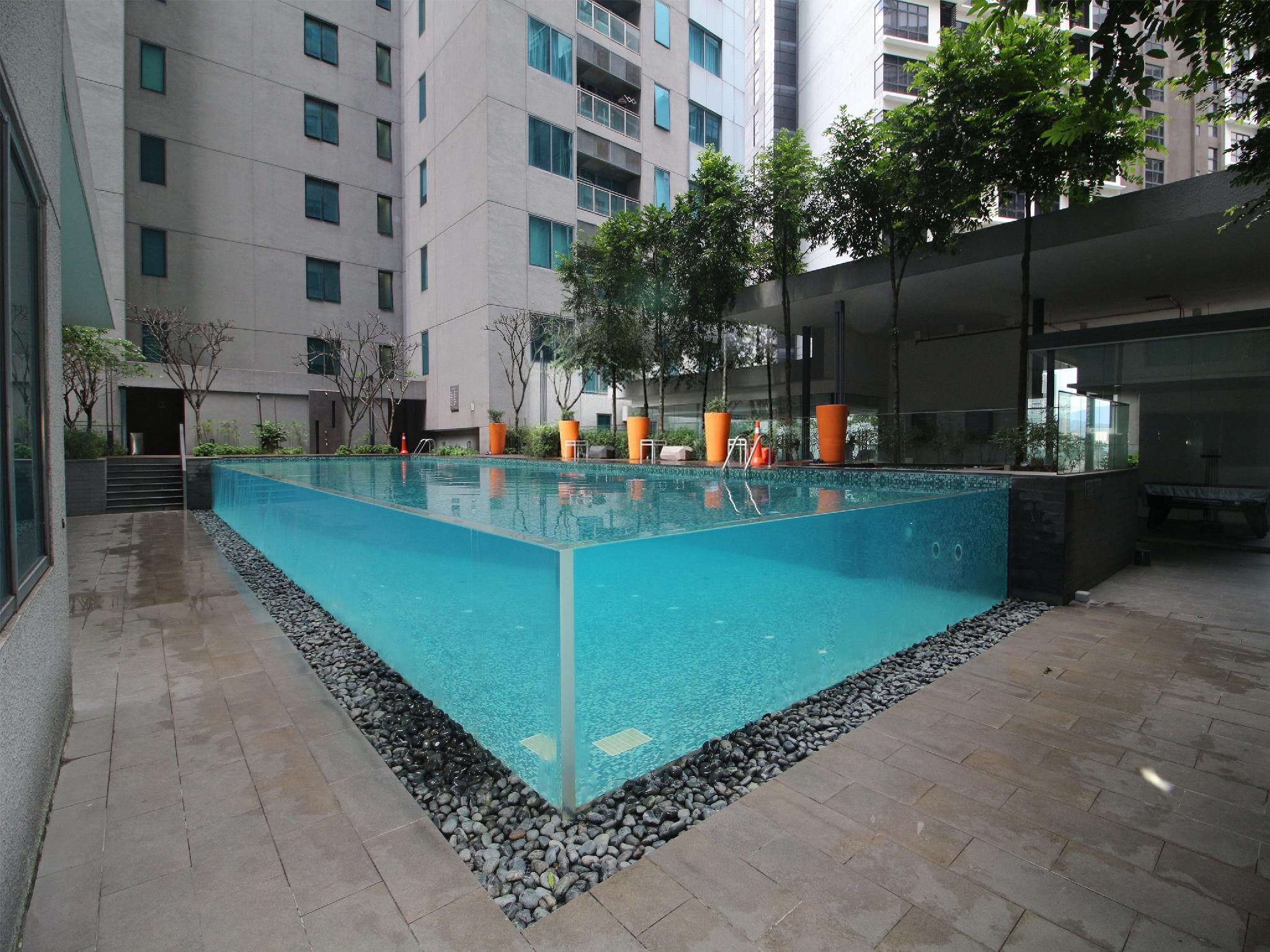 OYO Home 926 Premium Studio Summer Suites
