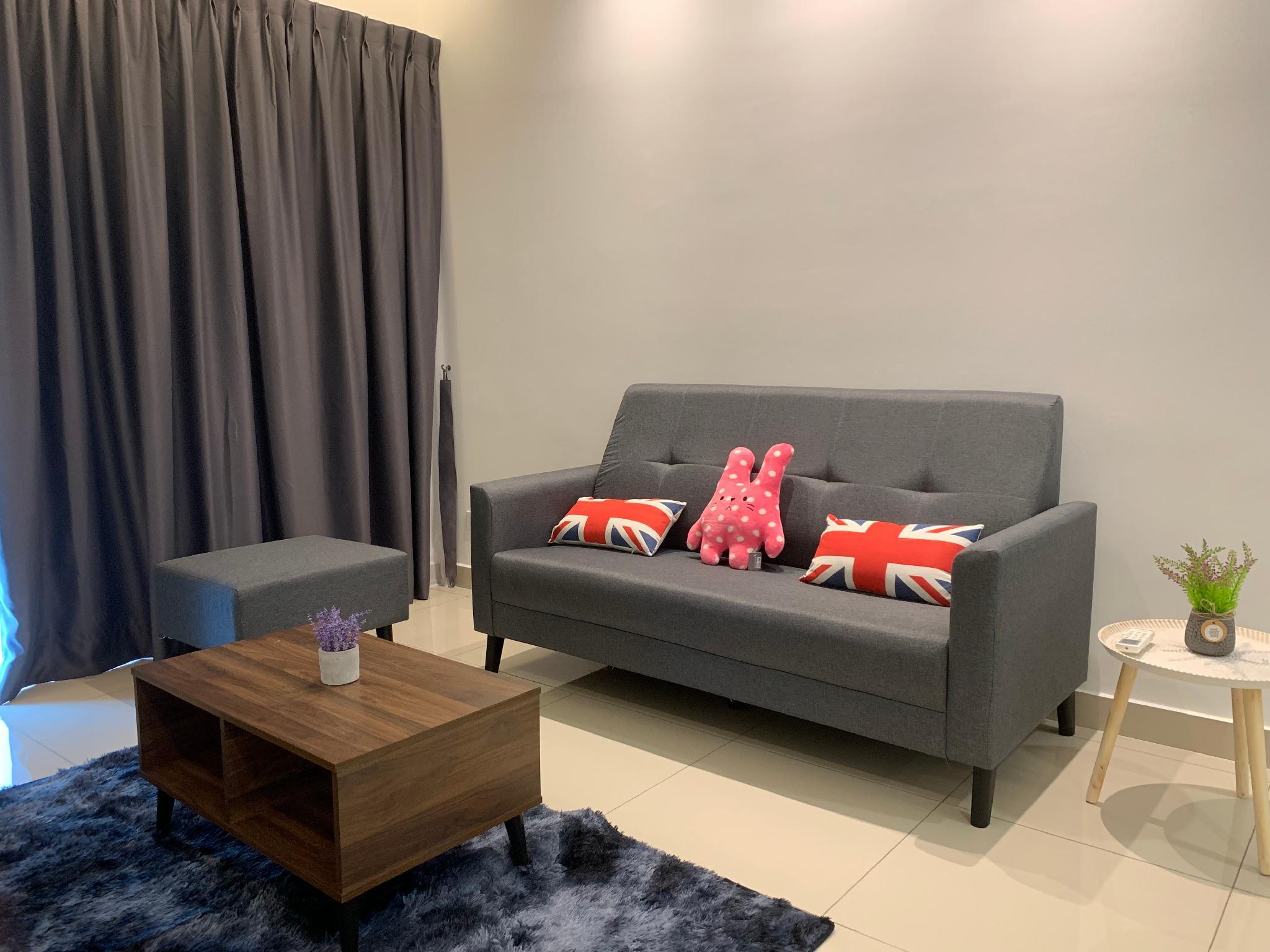 Comfy Home 2 6pax Landmark Residence MRT Balakong