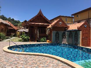Farm House Resort 4BR Sleeps 8 w/ Private Pool วิลลา 4 ห้องนอน 4 ห้องน้ำส่วนตัว ขนาด 1200 ตร.ม. – กมลา