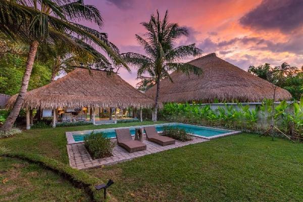 Villa Nomad - Luxury Stay at Beach Front Villa Lombok