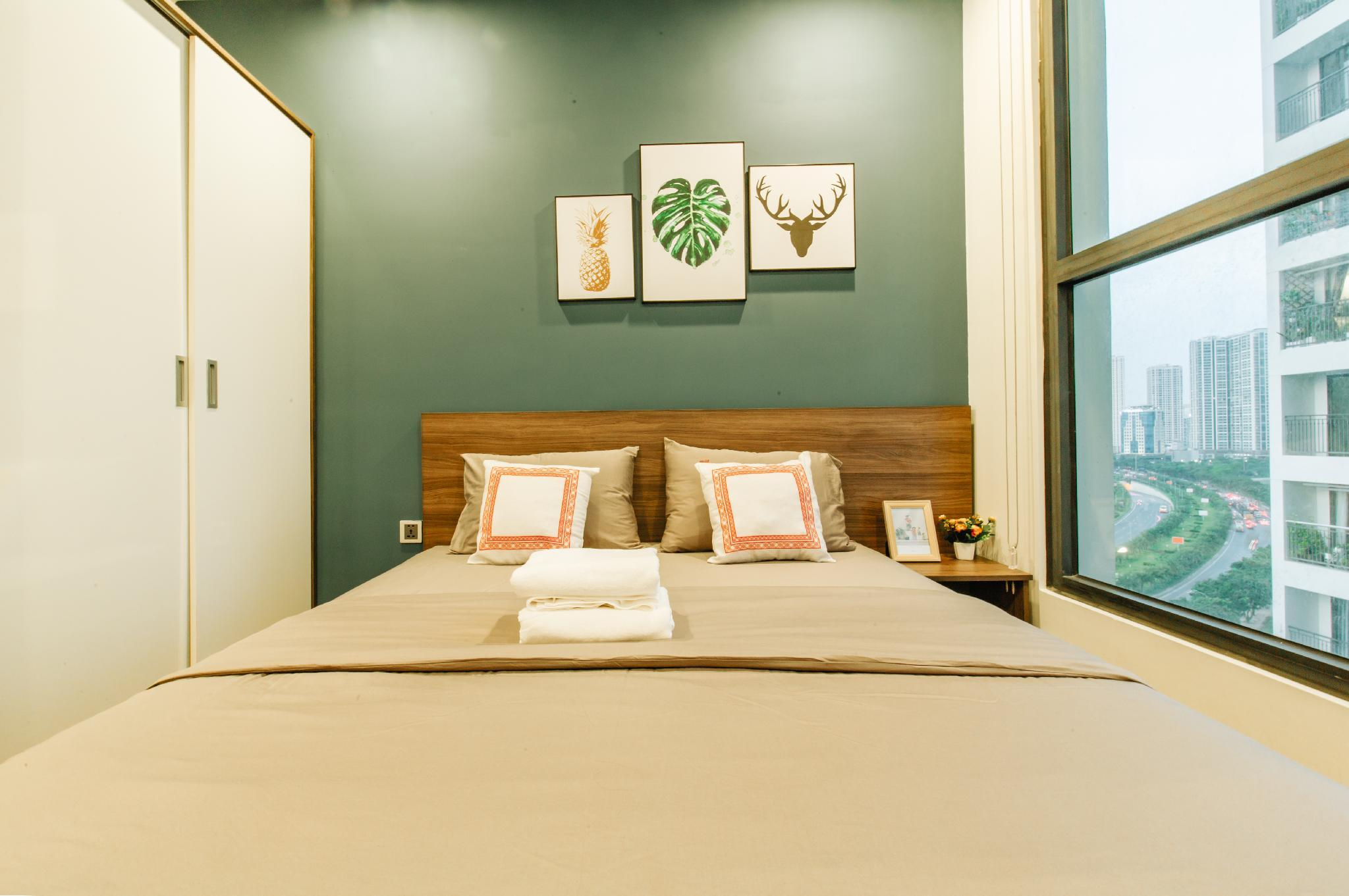Luxury 5* 3BR Apartment  Vinhomes Green Bay