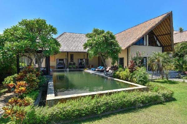 Villa Geluk - Beachfront Villa Bali