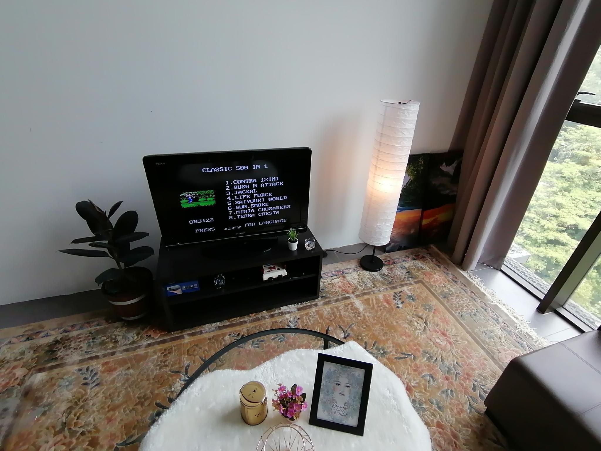 Empire Cozy Suite WIFI+TvBox+GameConsole   073a