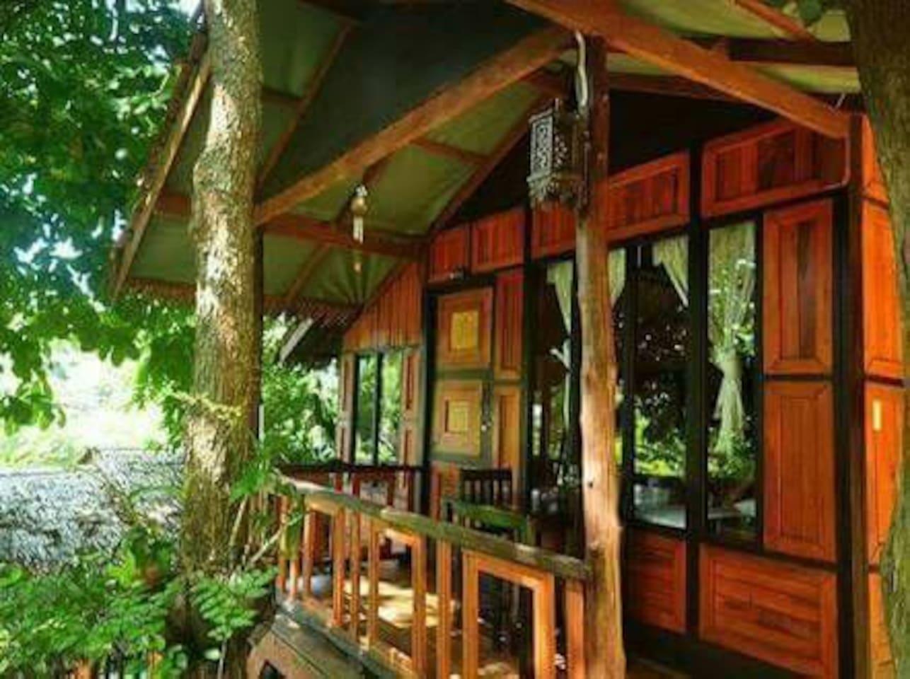 Deluxe bungalow สตูดิโอ บังกะโล 1 ห้องน้ำส่วนตัว ขนาด 25 ตร.ม. – อ่าวโละดาลัม