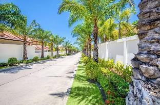 [プラタムナックヒル]ヴィラ(300m2)| 3ベッドルーム/2バスルーム Downtown beachfront village,neaby walking street