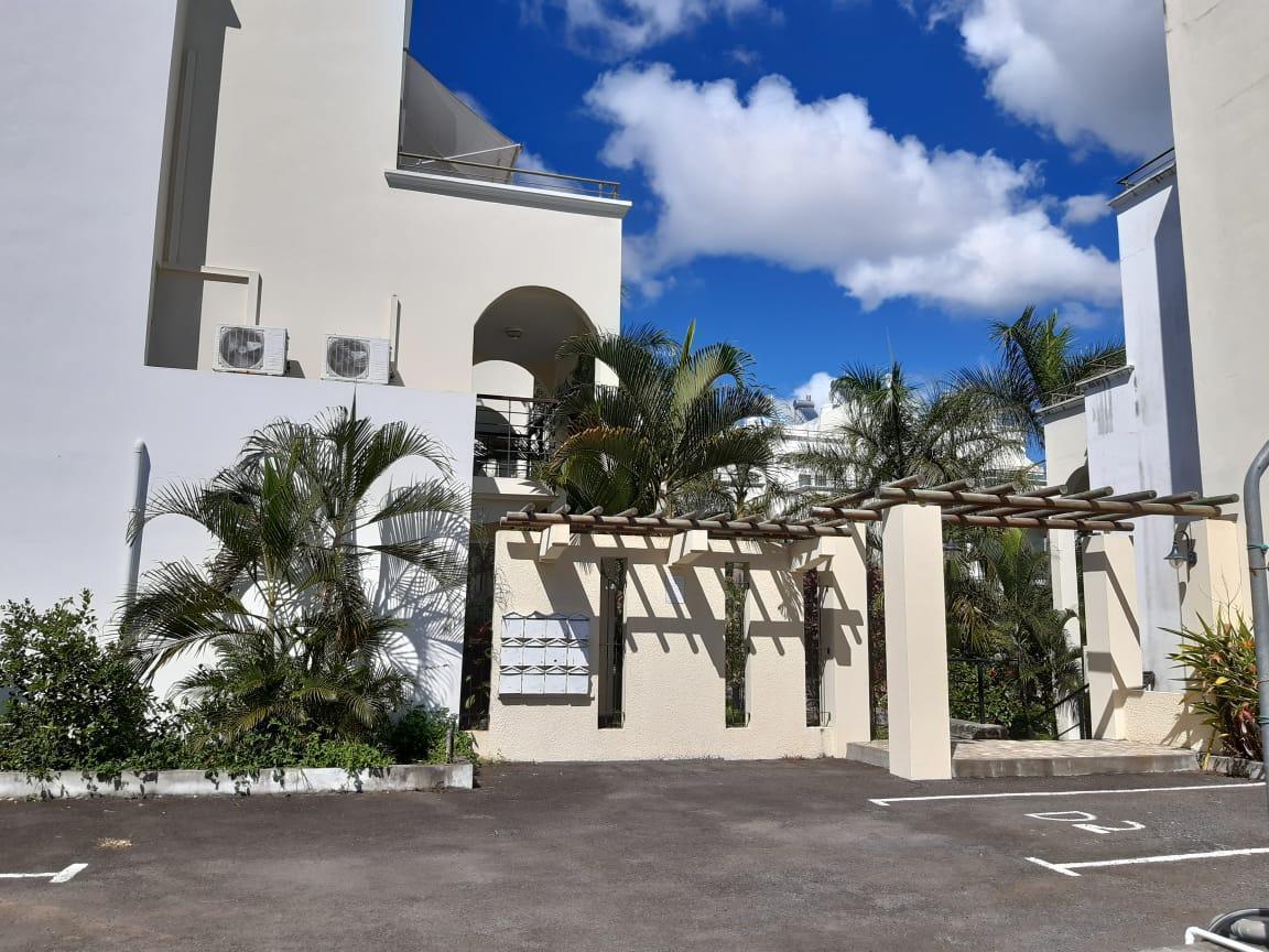 Renovated Villa Minutes Walk To Grand Baie Beach