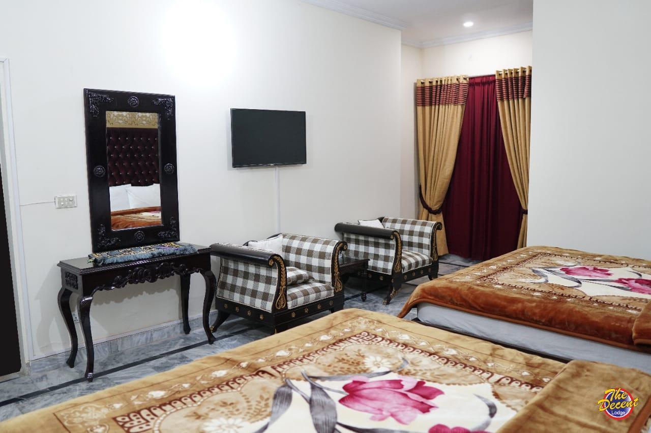 Hotel Lahore Decent Lodge