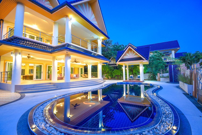 6 BDR Pool Villa At Platinum Residence Rawai วิลลา 6 ห้องนอน 6 ห้องน้ำส่วนตัว ขนาด 380 ตร.ม. – หาดราไวย์