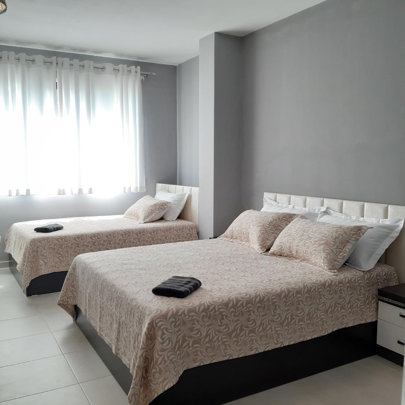 Attractive Modern Apartment�