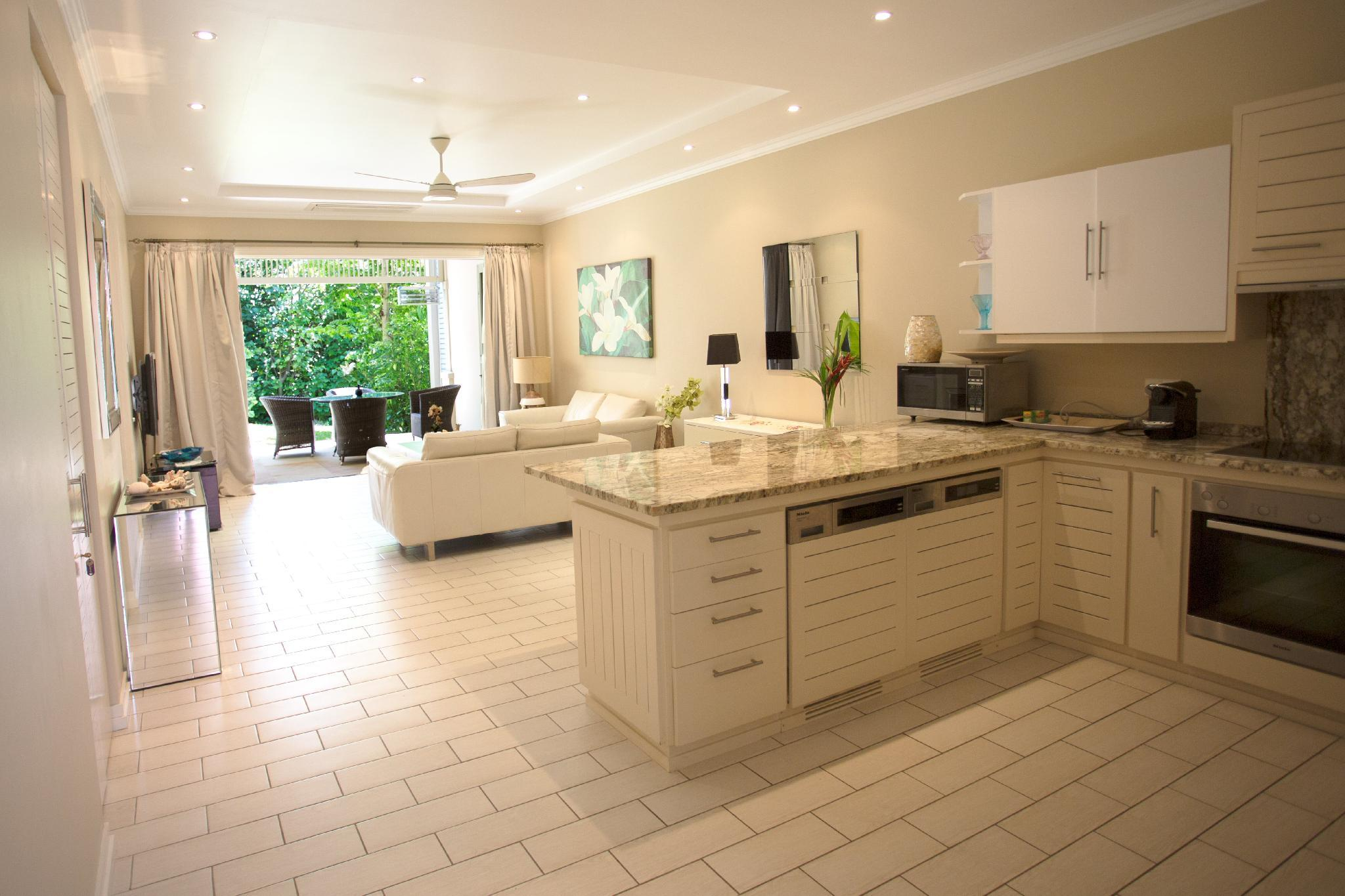 2 Bedroom Apartment With Garden And Beach Access