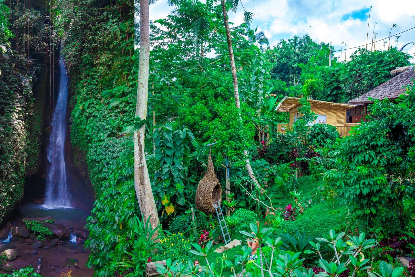 New  Beautiful Stay At The Waterfall Village Bali