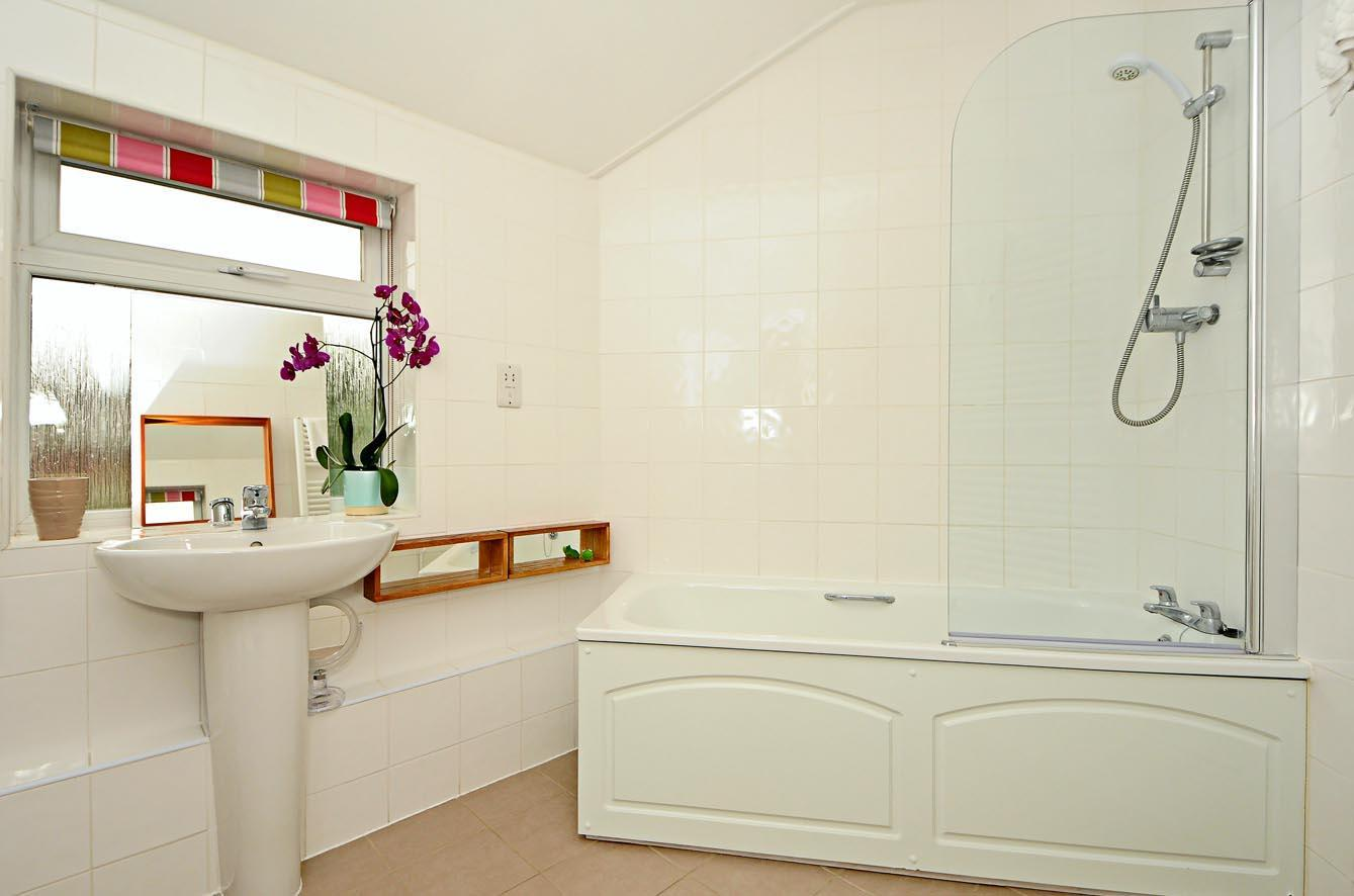 Righton Serviced House In Marston  oxeccer