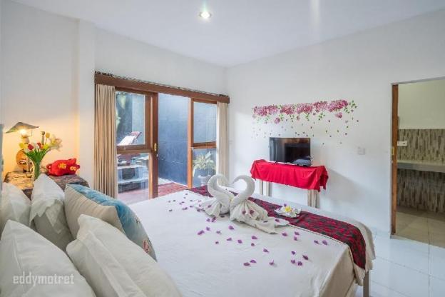 WW 3 Bedroom villa in the center of Legian